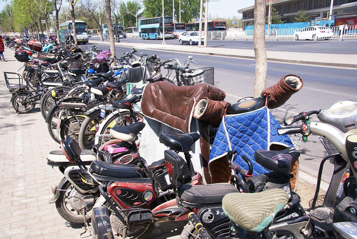 мопеды на улицах Пекина